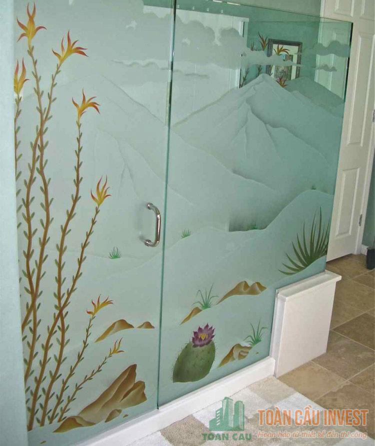 vách kính nhà tắm họa tiết