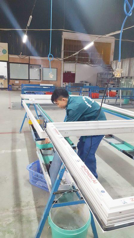 Nhà máy sản xuất nhôm kính
