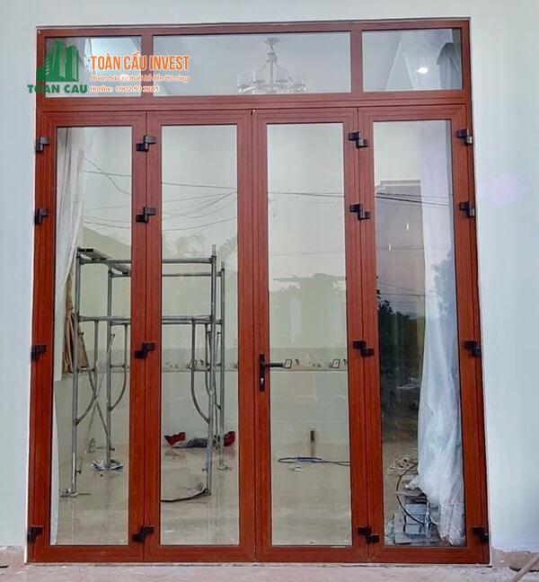 Mẫu cửa nhôm kính Xingfa màu giả gỗ