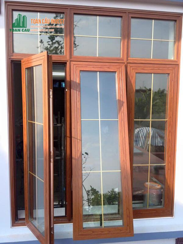 Mẫu cửa sổ nhôm Xingfa 3 cánh giả gỗ đẹp