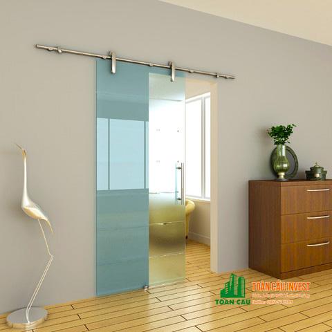 Vách kính tắm cửa lùa 1 cánh vào tường