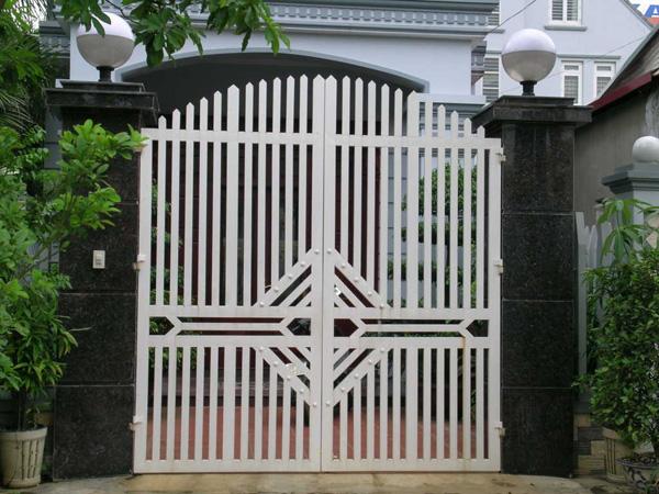 Mẫu cổng sắt cho nhà dân
