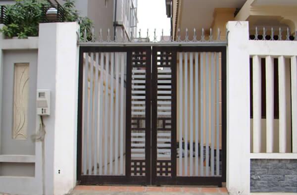 Gia cổng sắt 2 cánh đơn giản