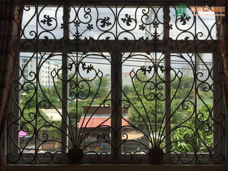 Khung bảo vệ sắt uốn cong cho cửa sổ