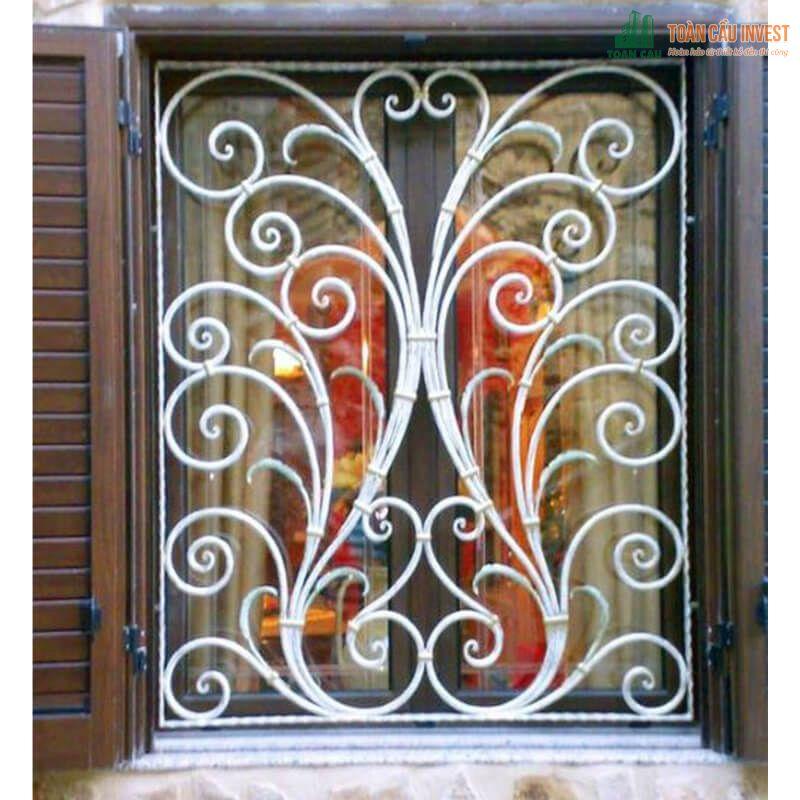 Khung cửa sổ sang trọng bằng sắt
